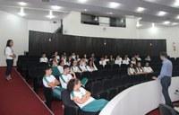 Alunos do Colégio Sesi visitam a Câmara Municipal