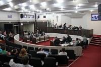 Extraordinária na sexta-feira aprecia doze projetos de leis