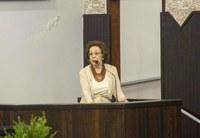 Maria Patiño agradece homenagem na Câmara nos 67 anos de Toledo