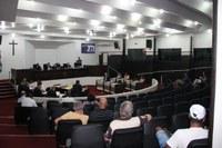 Sessão aprecia travessias em escolas, crédito e homenagem, entre outros