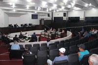 Sessão aprova projeto sobre obras paradas e mais três