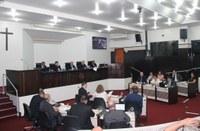 Sessão aprova três projetos e rejeita proposta de cisternas
