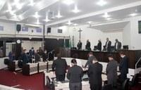 Sessão lembra ex-presidente e outros falecidos da Covid-19