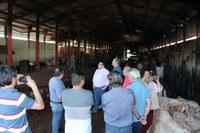 Vereadores visitam Central de Recicláveis do Aterro Sanitário incendiada