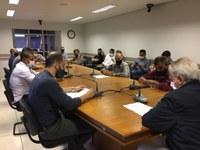 Bisognin conduz primeira reunião da Mesa da Câmara e faz alerta