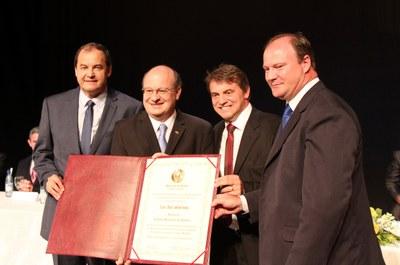 Zaki Akel recebe título do vice Adelar ´Pelanka´, prefeito Beto e presidente Ademar