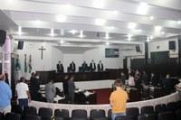Sessão faz silêncio em homenagem a familiares de servidores da Casa